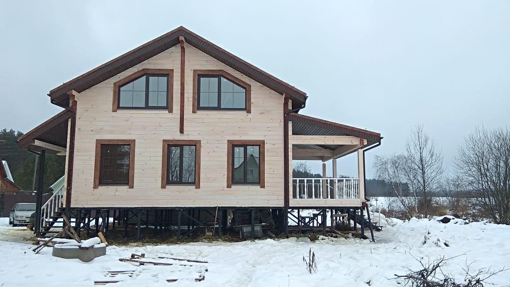 Фото: Дом из клеёного бруса 180 х 200 мм. с мансардой и террасой во Владимирской области