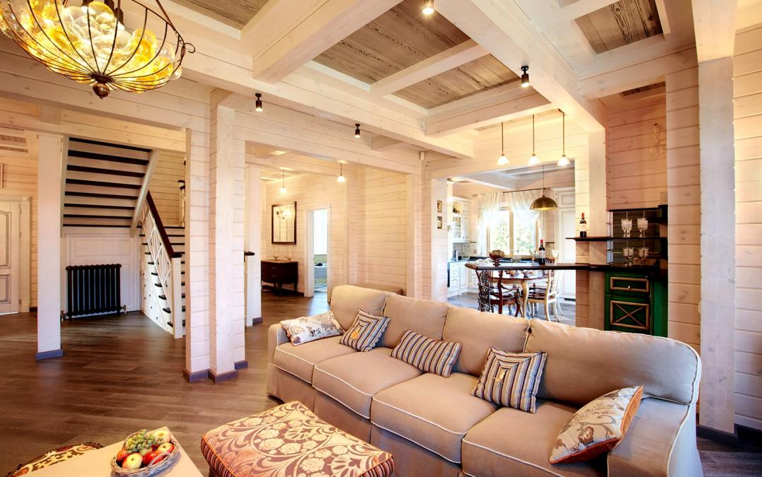 Клееный дом внутри - пример интерьера