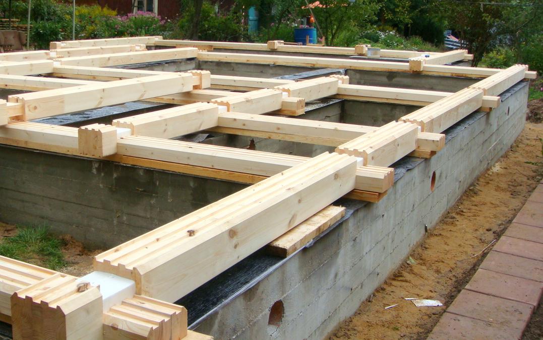 Ленточный жб фундамент под дом из клееного бруса