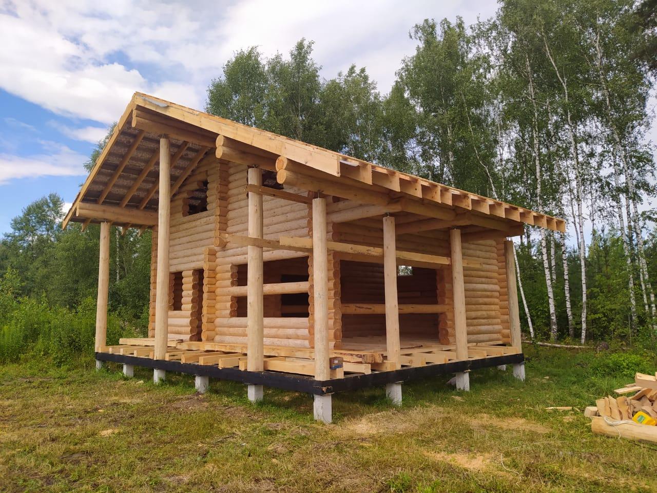 Фото: Дом-баня из остроганного бревна в Московской области
