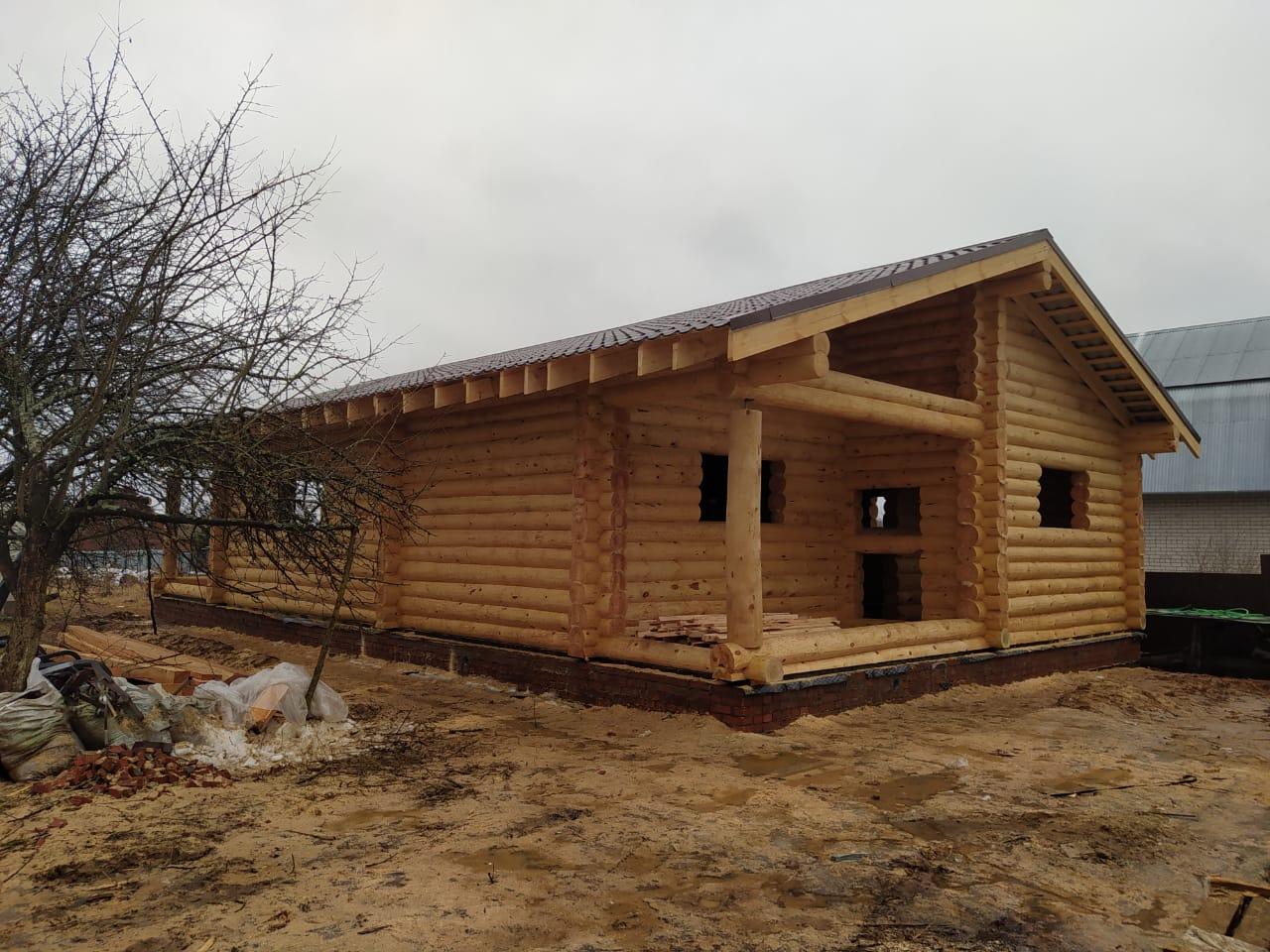 Большой одноэтажный дом из остроганного бревна 240 мм. в п.Струнино МО