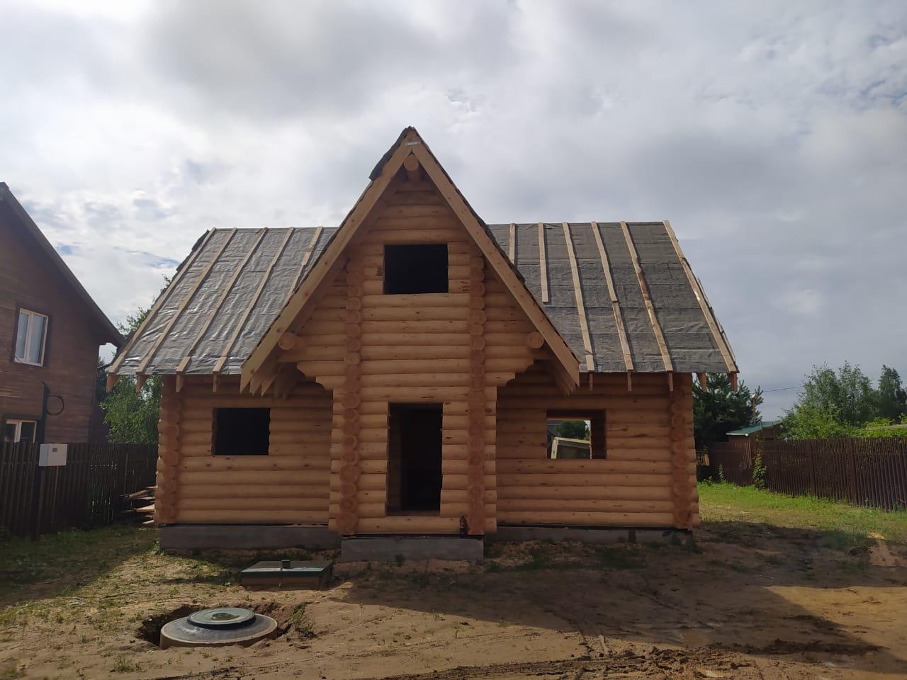 Дом с баней из сруба 6 на 9 с мансардой в Красногорском районе Московской области