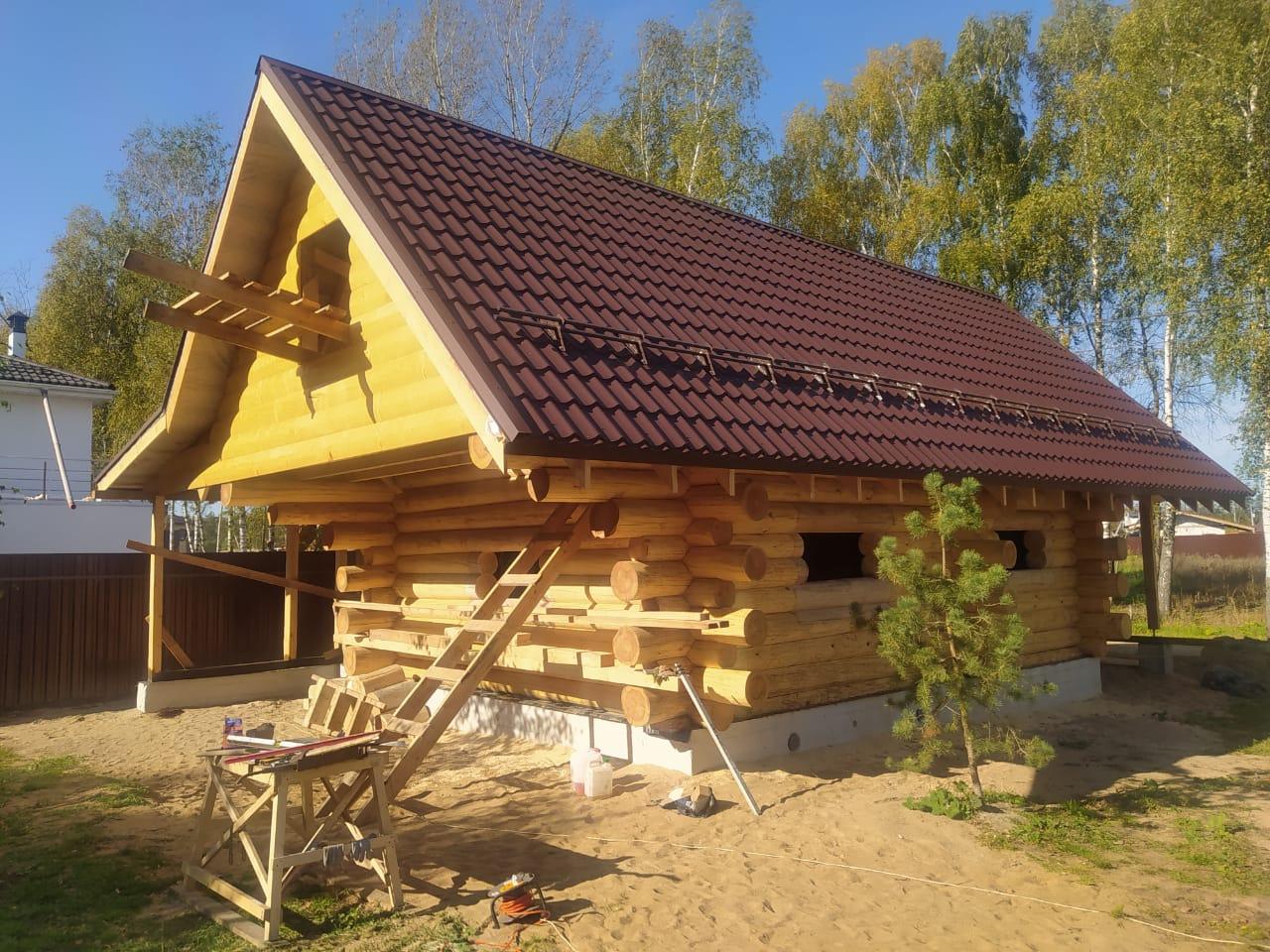 Фото: Баня из строганного бревна в «диком» стиле в Московской области
