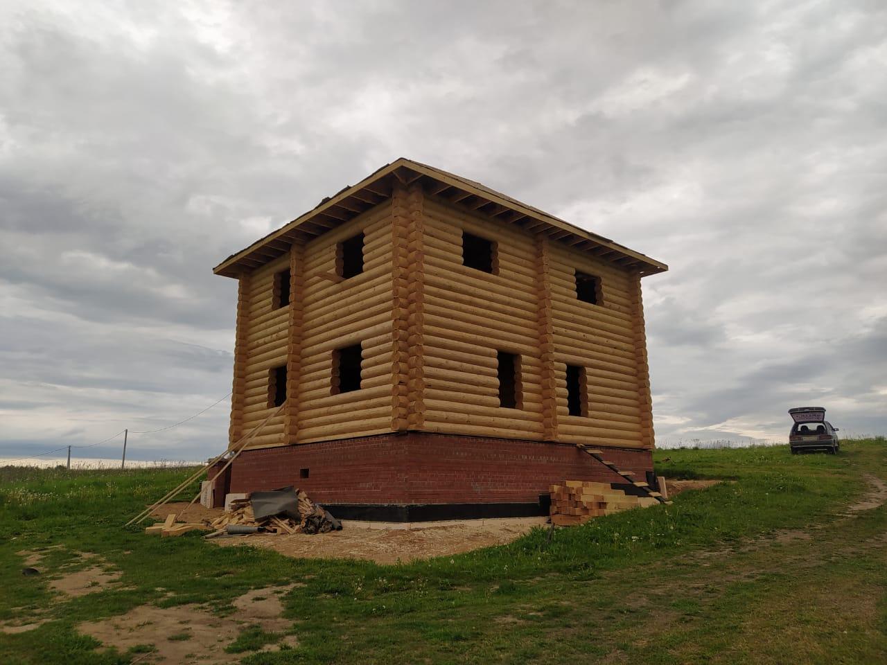 Двухэтажный дом из остроганного бревна 260-280 мм. в Тверской области